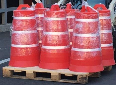 Пластиковый дорожный сигнальный конусный буфер 1000x560 (дорожная тумба), три световозвращающие полосы